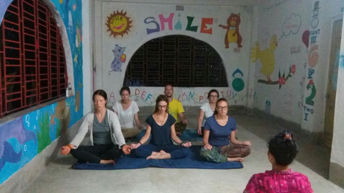 Smilengo India yoga & meditation
